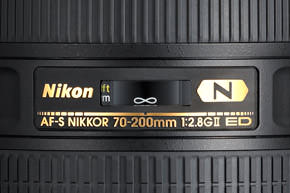 Nikon-70-200-distance-scale