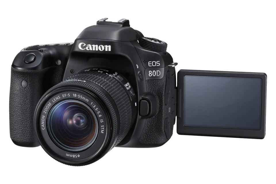 EOS 80D EF S 18 55mm IS STM LCD Open FSL M