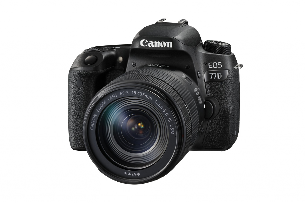 EOS 77D FSL with EF S 18 135mm IS USM HD
